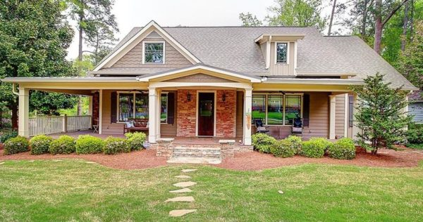 Smyrna GA Community Home In Forest Hills Neighborhood